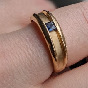10K Gold Ring with Sapphire